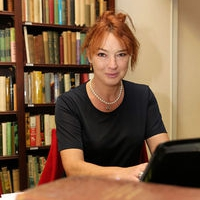 Dr Vandra Costello